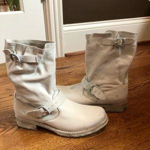 Frye women's Veronica white boots 8 medium